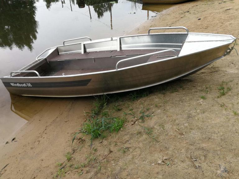 Лодка Windboat 38 м